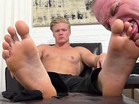 Seamus Worshiped My Friends Feet